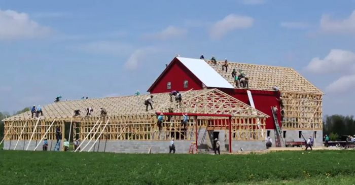 1000 images about 18th century barn on pinterest bench for Amish barn construction
