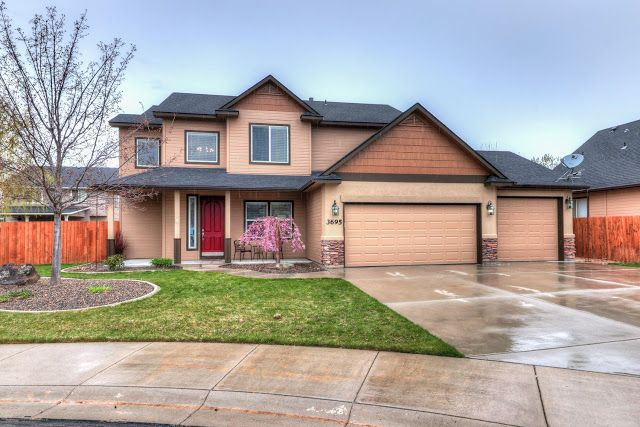 Beautifully Maintained Home In Desirable Part Of Meridian