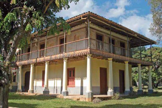Casa-sede da Fazenda Santana, em Cantagalo, estado do Rio de Janeiro, Brasil.