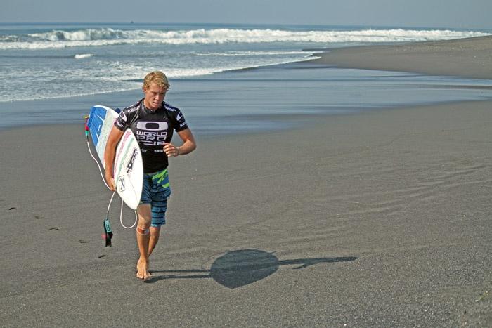 the surfers at Oakley World Pro Junior 2012 at Keramas Bali