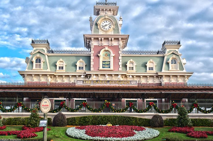 train station magic disney kingdom orlando world florida disneyworld trains stations 아이디어를 관한 찾아보세요