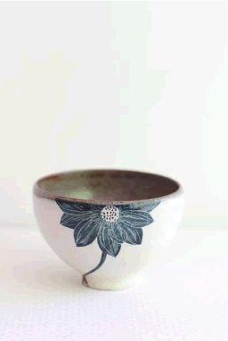 Bol à fleur bleu - Poterie japonaise Blue flower bowl - Japanese Pottery