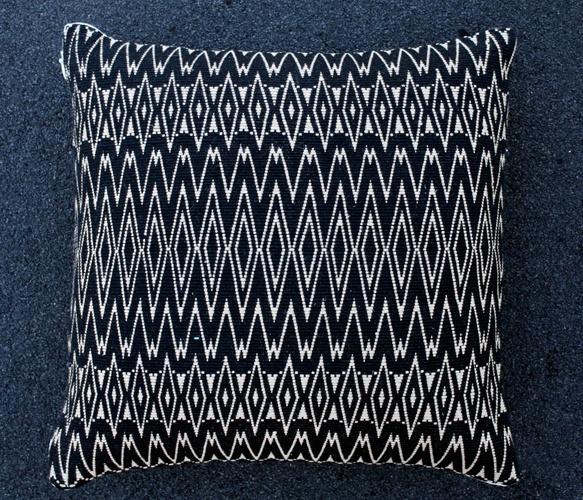 aneesa pillow: Aneesa Pillow Repin, Patterns Fabrics, Blue Pillows, Aneesa Pillow Uncovet, Design Patterns, Aneesa Pillows, Pillow Repin By Pinterest, Textiles Patterns, Black