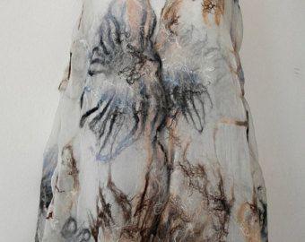 Nuno vilten zijden sjaal-omslagdoek wrap FROZEN LAKE handgemaakte, zijde wol sjaal, eco fashion door Kantorysinska