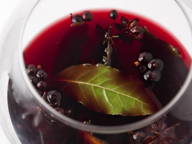 Great British Chefs serve up the best mulled-wine recipes Essential for bonfires, Guy Fawkes, Halloween and Christmas, mulled wine is the perfect way to brighten those dark evenings. Here are a few tempting tipples to try at home. #mulledwine