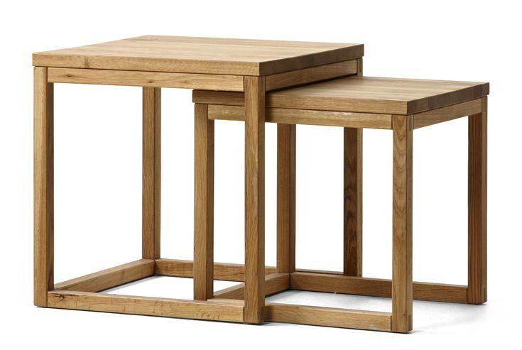 Ett lättplacerat satsbord i två delar. Låt det bli ett flexibelt litet soffbord som kan växa vid behov, eller använd det som sidobord.