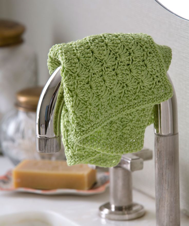 Shell Stitch Washcloth: free easy level crochet pattern ༺✿ƬⱤღ  http://www.pinterest.com/teretegui/✿༻