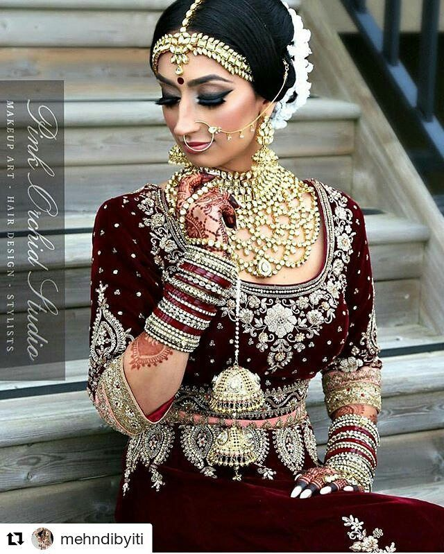 #follow@hennafamily #hennafamily #Repost @mehndibyiti  Another stunning image of our beautiful client Jina. Mehndi by Iti.  Outfits/Jewelry | @vivahcollection Hair & Makeup | @pinkorchidstudio Henna | @mehndibyiti #instagrammers #igers #instalove #instamood #instagood #like #follow #comment #shoutout #photography #popular#indianweddingbuzz #indianwedding #indianweddings #indianweddinginspiration #weddinginspiration #realwedding #realindianwedding #indianbride #wedding #weddings #weddingday…