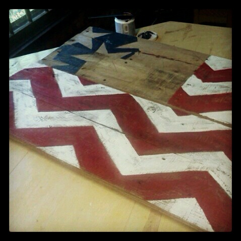 Sisters of the Wild West: DIY Pallet Flag