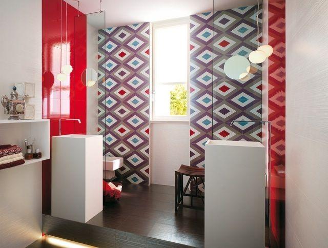 carrelage salle de bains à motifs décoratifs