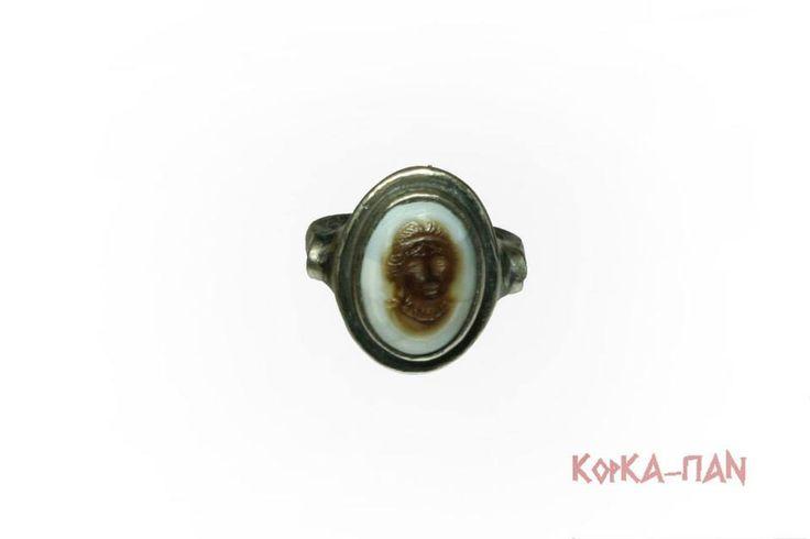 Кольцо с камеей. Женский портрет. Серебро, агат, резьба. / Ring with a cameo. Woman portrait. Silver, agate, screw-thread.