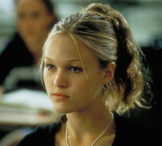 8 coisas que você usava nos anos 90, mas hoje tem vergonha de admitir | Penteados anos 90, Cabelo anos 90, Tendências de beleza