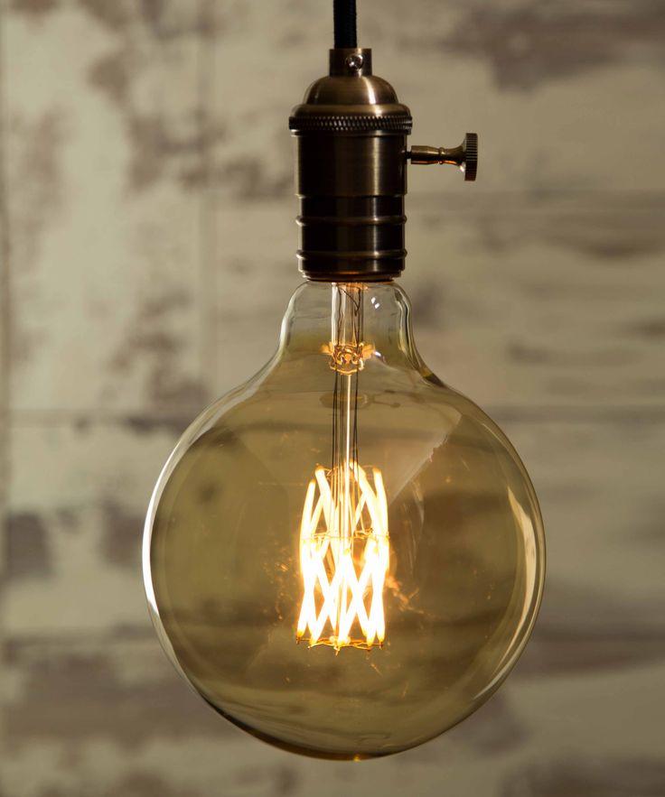 Vintage Light Bulb LED - Xtra Large Globe LED - William&Watson