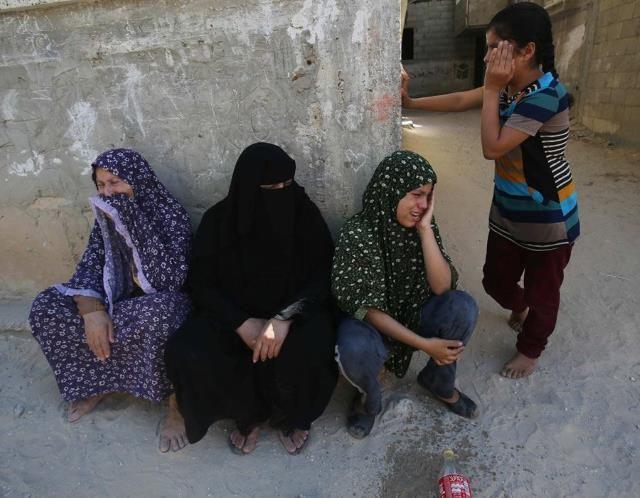 Israel pounds Gaza Strip (© Reuters)