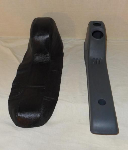 Lederüberzug Schaltabdeckung Smart Fortwo 450 100 % Echt LederFarbe: schwarzMaterial: LederLeder ist gepolstert, so dass sich die Plastikabdeckung nicht durchdrückt .Leder glänzt so vom Blitz, real ist es besserSchnell zu installierende Lederüberzug für die Schaltabdeckung im Smart , super verarbeitet aus 100 % Echtleder , alle Farben möglichPreis inklusive VersandLederüberzug ist zu 95 % vorbereitet und kann mit Hilfe von Sprühkleber wunderbar auf die Plastikabdeckung der Schaltung geklebt…