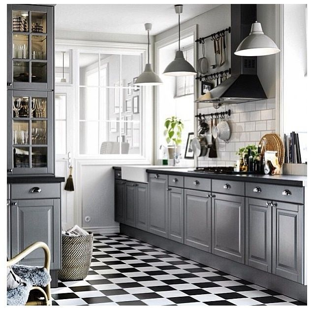 Grey And White Kitchens: Should I Paint My Cabinets? If So, What Color?? : DesignMyRoom