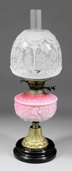 Victorian table oil lamp.