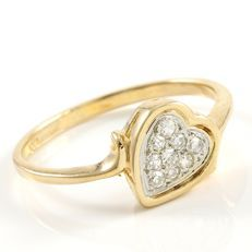 14 kt Yellow Gold 0.12 ct Diamond Ring ,  Size: 6.5 - No reserve
