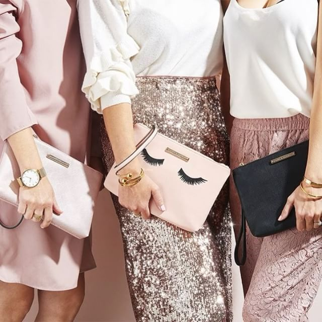 Poppy & Peonies offers trendy, affordable and versatile handbags that can be worn multiple ways to suit the many events in your life.