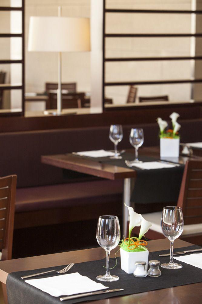 Elegante restaurante en el hotel Valencia cerca del palacio de congresos. www.confortelvalencia.com