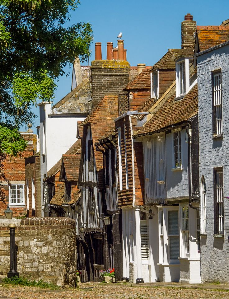 Old houses in Church Square, Rye, East Sussex_ England