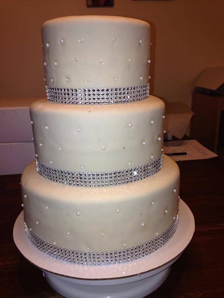 Diamond Accent Wedding Cake Images