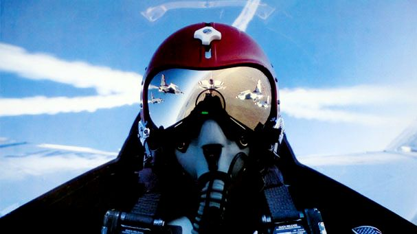 Thunderbirds pilots view in formation