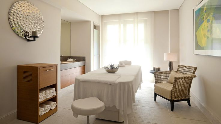 Discover Anazoe Spa, offering an exceptional menu of specialty treatments based on ancient health and beauty practices, utilizing the area's exclusive natural ingredients and unique products.