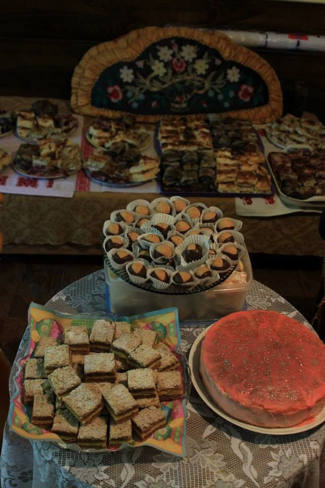 Cake festival at granny's home. We had our annual family gathering, by the end all cakes were gone :D
