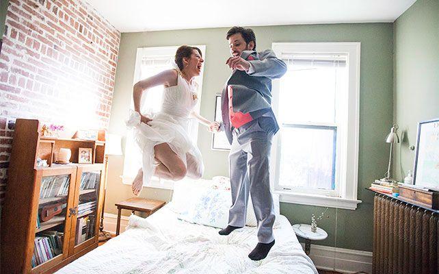 свадебный снимок прыжки