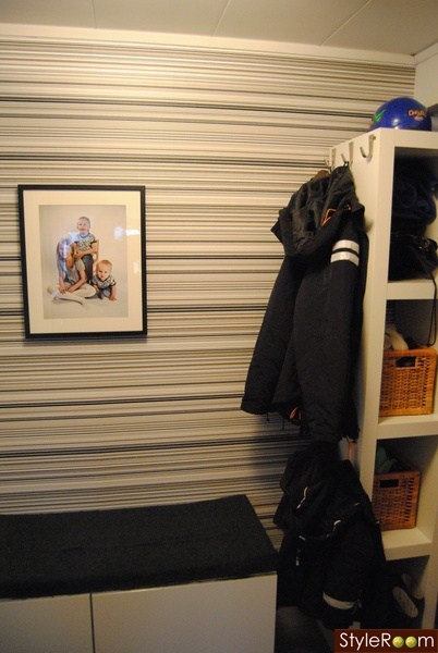 IKEA-skåp   skoskåp,fondvägg,vitt,svart,lackhylla,jackhängare,hallförvaring