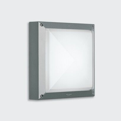W1 - Iguzzini Full Square - Proposed surface mounted wall luminaire for south stairs