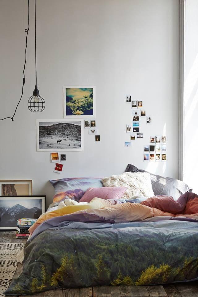 בחדר השינה הכי קל לשחק בסטיילינג עם מצעים ועם הקיר שלראש המיטה - גם אם לא…