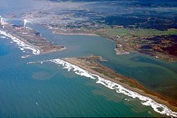 Google Image Result for http://wpcontent.answcdn.com/wikipedia/commons/thumb/9/9f/Humboldt_Bay_and_Eureka_aerial_view.jpg/250px-Humboldt_Bay_and_Eureka_aerial_view.jpg