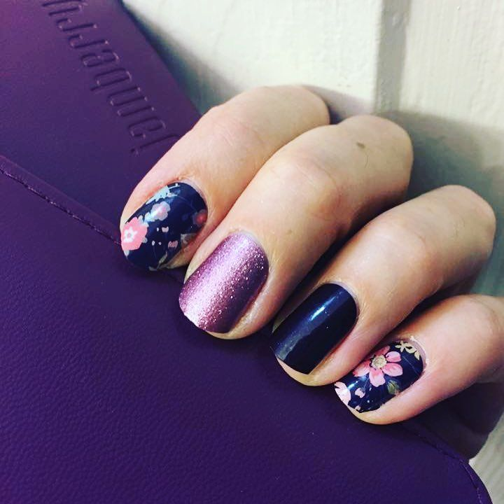 "58 Me gusta, 1 comentarios - Cassy Barfield (@nailbestiesvip) en Instagram: ""Such a #beautiful #mani #nailbesties #fallmanicure #floralmanicure #floral #style #notd #nailfie…"""