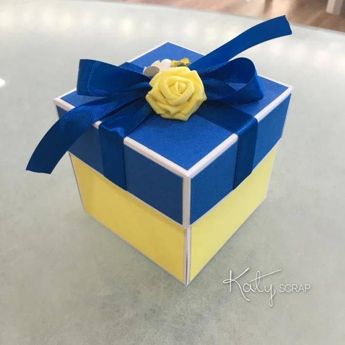 Fler BLOG   Katy scrap / Svatební krabička Pantone Snorkel Blue 19-4049