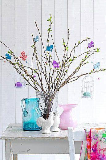 Pasen en lente met vrolijke paastak. Colorful Easter and spring
