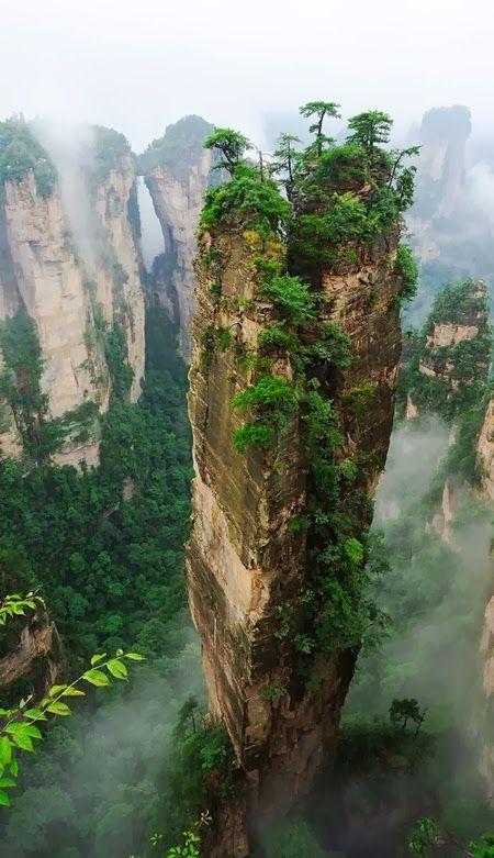 Zhangjiajie National Forest Park, China, Inspiration für die Hallelujah Mountains in Avatar www.filmtourismus.de/2013/05/avatar-aufbruch-nach-pandora.html
