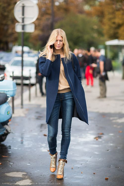 two color theme - blue and creme - Iselin Steiro in Paris…