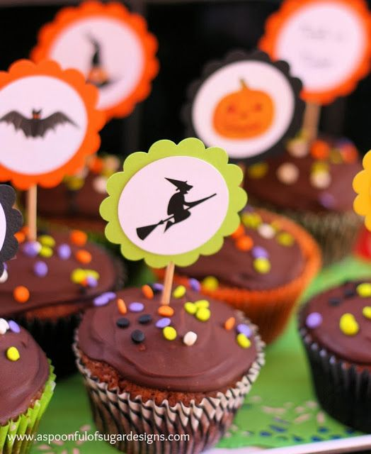 Halloween Cupcakes | A Spoonful of Sugar: Halloween Cuppycak, Halloween Buffet, Halloween Cupcakes, Cupcakes Bliss, Halloween Recipes, Halloween Food, Cupcakes Halloween, Fall Thanksgiving Halloween, Cupcakes Rosa-Choqu