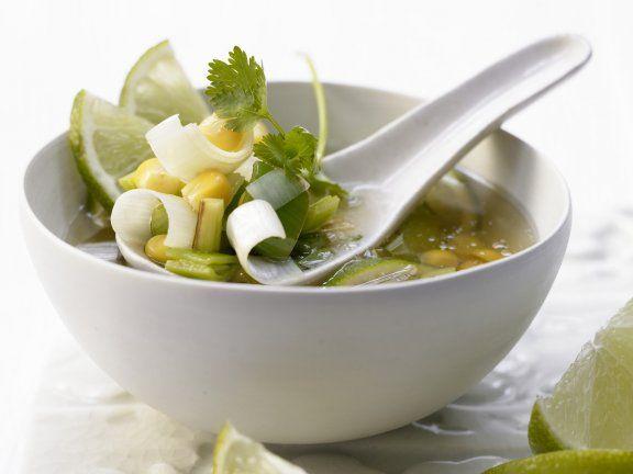 Scharfe Maissuppe mit Chili, Ingwer und Limette #mais #detox #chili# ingwer #lim…