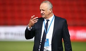 Graham Arnold satisfied with Sydney FC's draw away to Adelaide United