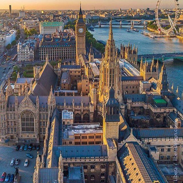 Big Ben, House of Parliament, River Thames. London.-