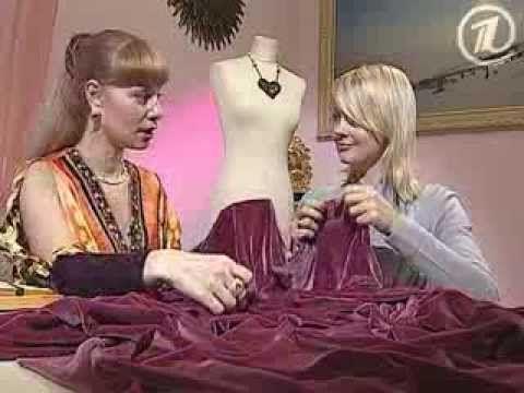 Отрез бархата, три шва и в вашем гардеробе появится универсальное модное платье.
