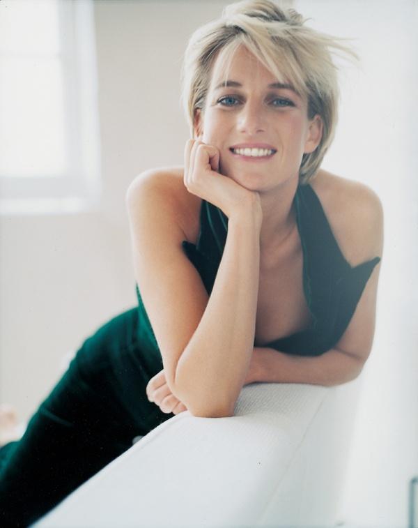Princess Diana photographed by Mario Testino for Vanity Fair