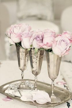 ❥ silver and roses. always in style.