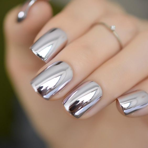 34 Eye-Catching Chrome Nail Art Designs for 2019