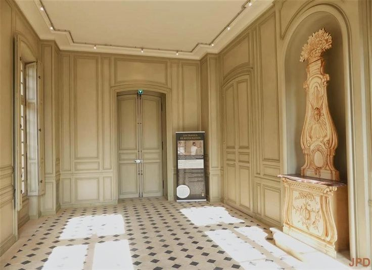 353 best images about house on pinterest louis xiv for Boiserie dwg