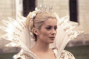 Catherine Deneuve : PEAU D'ÂNE , film de Jacques Demy