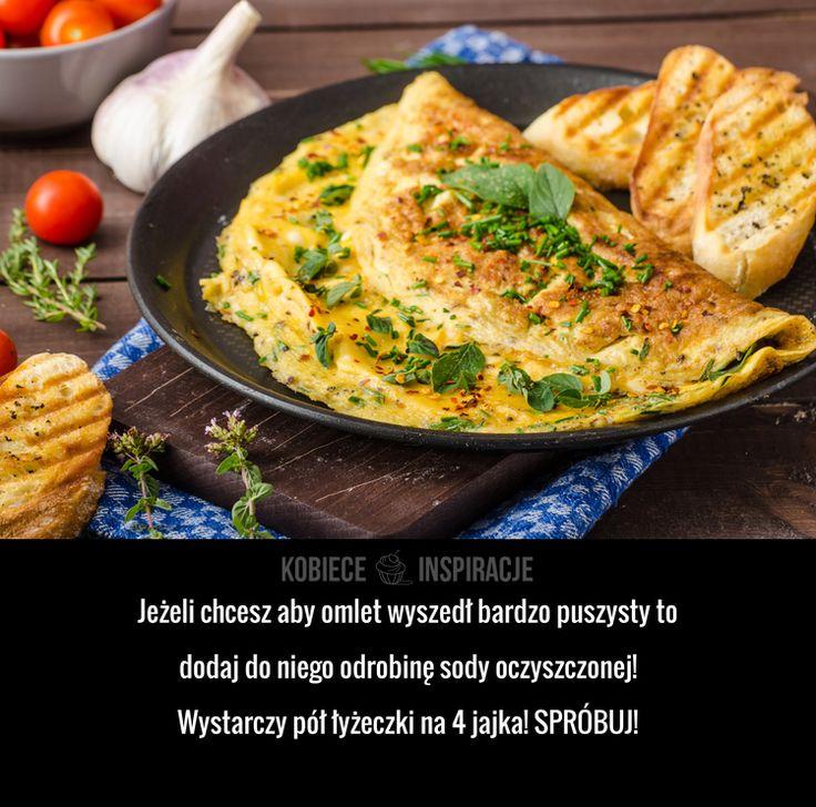 Jeżeli chcesz aby omlet wyszedł bardzo puszysty to dodaj do niego odrobinę sody oczyszczonej! Wystarczy pół łyżeczki na 4 jajka! ...